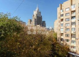 Продам 5-ком. квартиру, 181 м2, Москва, Плотников переулок, 3