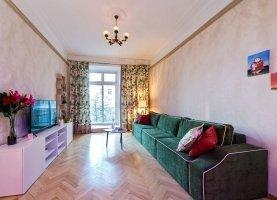 Снять - фото. Снять четырехкомнатную квартиру посуточно без посредников, Москва, улица Серафимовича, 2 - фото.